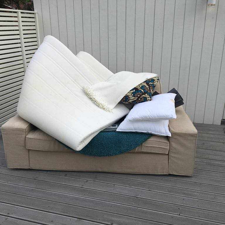 image of Throw away old furniture - Täby