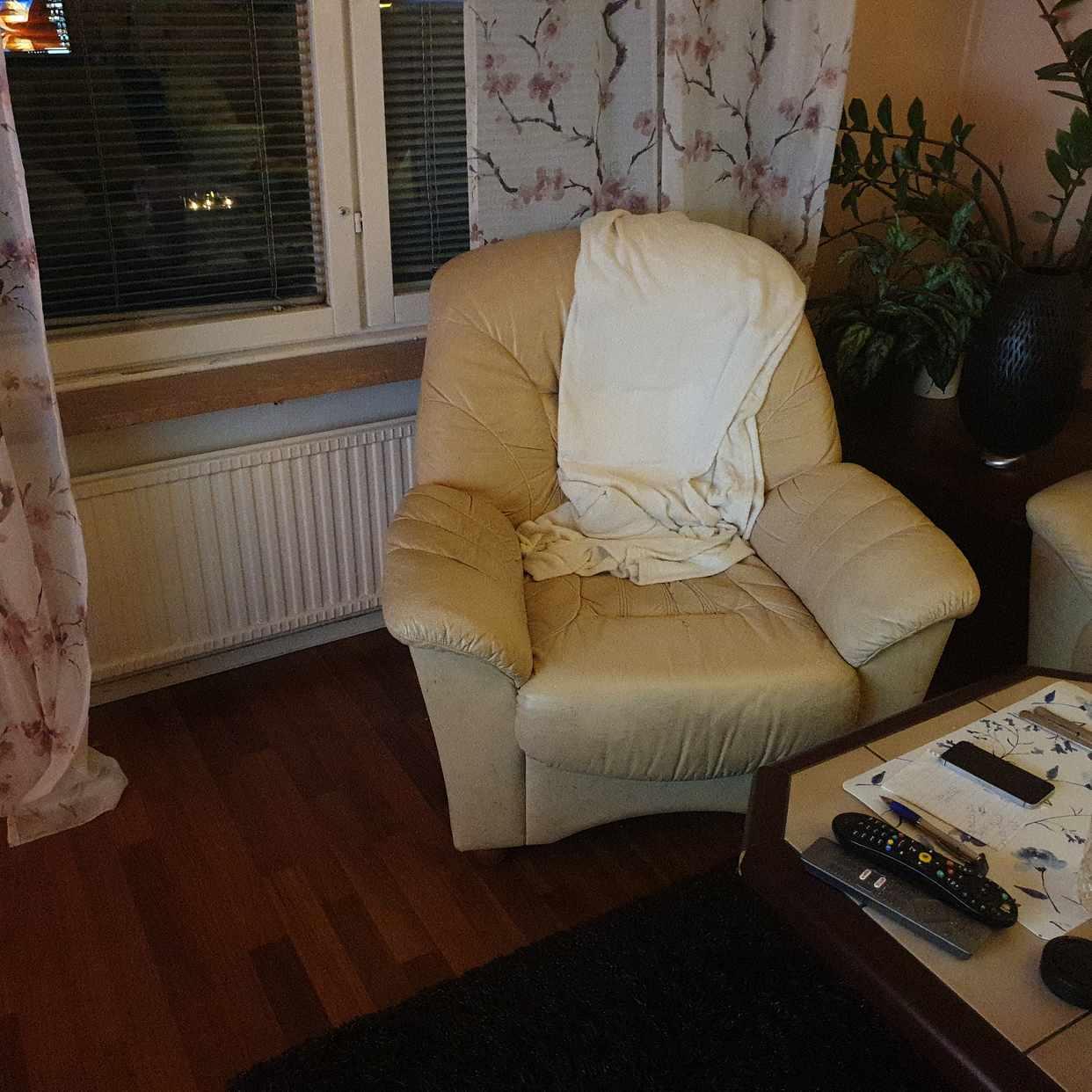 image of Soffor och ett bord -