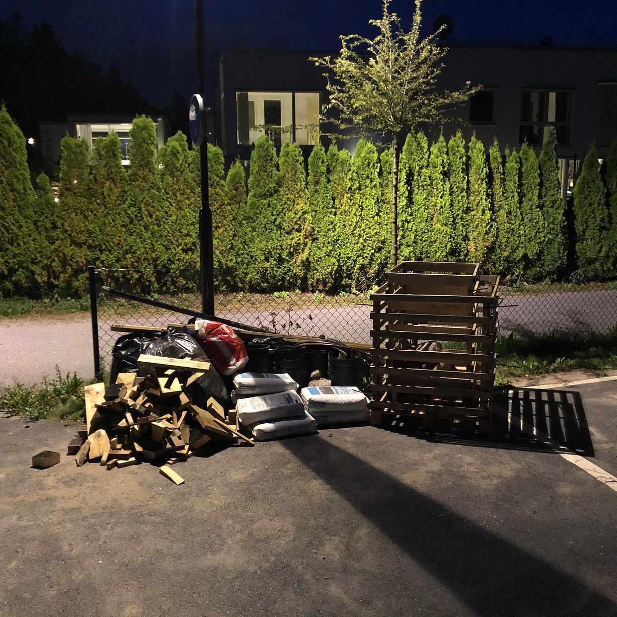 image of Bortforsling/återvinning - Huddinge
