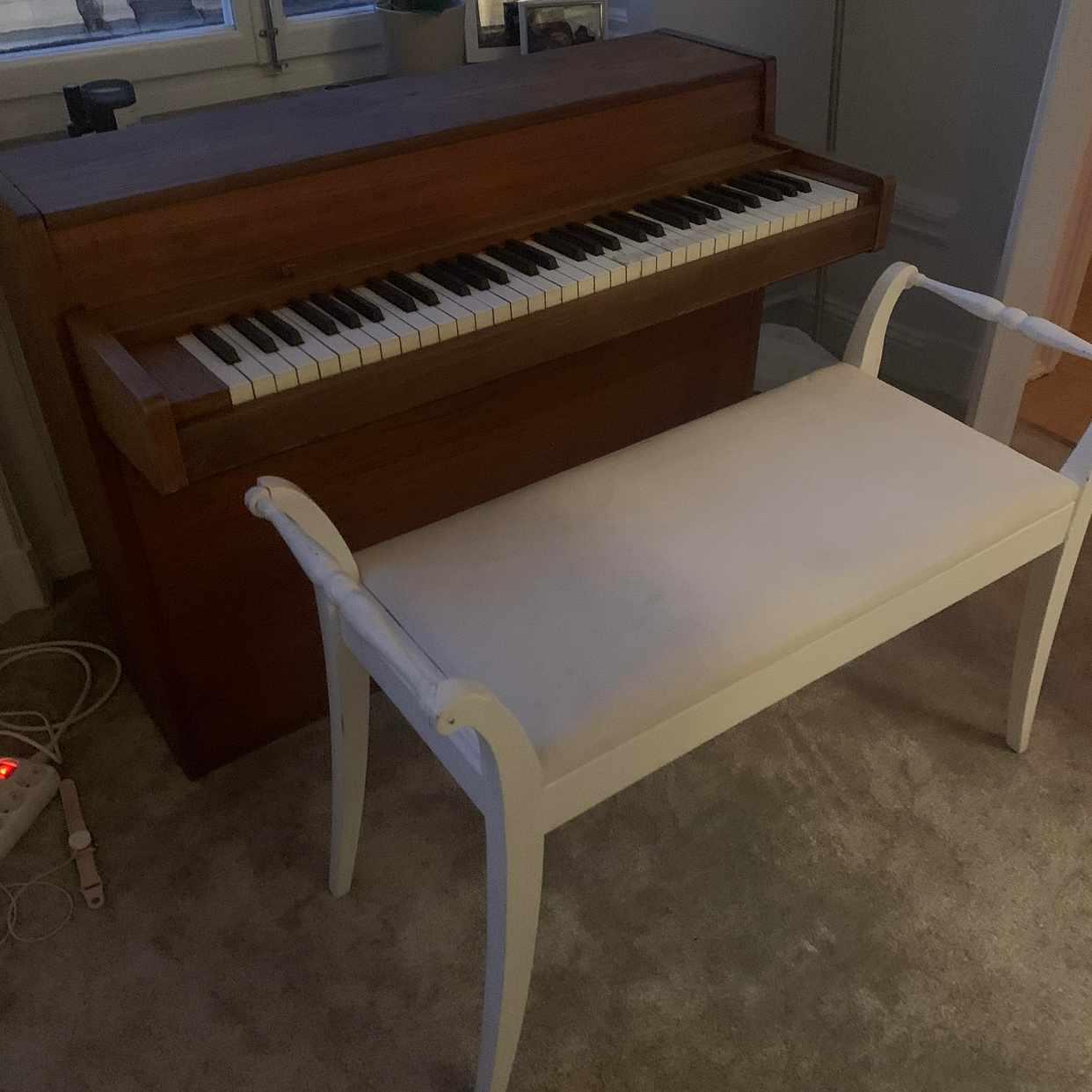 image of Flytta piano och pall -