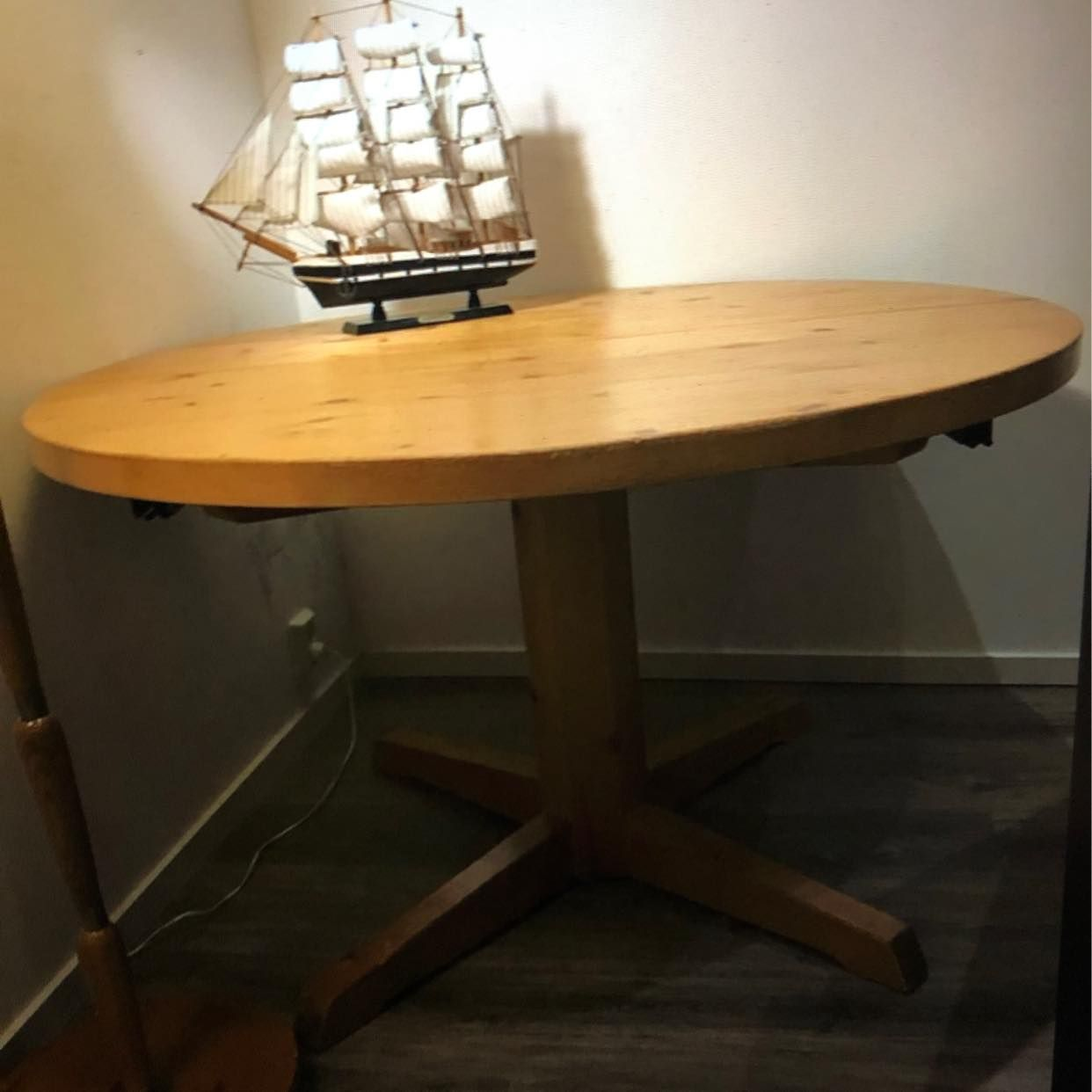 image of Deliver a dining table -