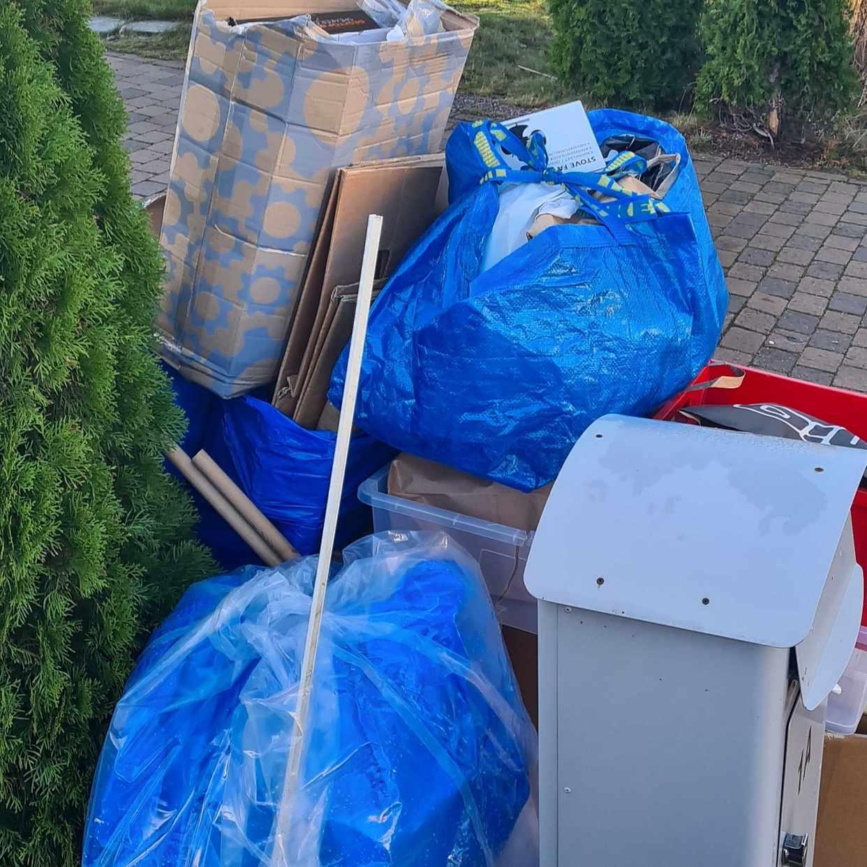 image of Kartonger, papper, plast - Haninge
