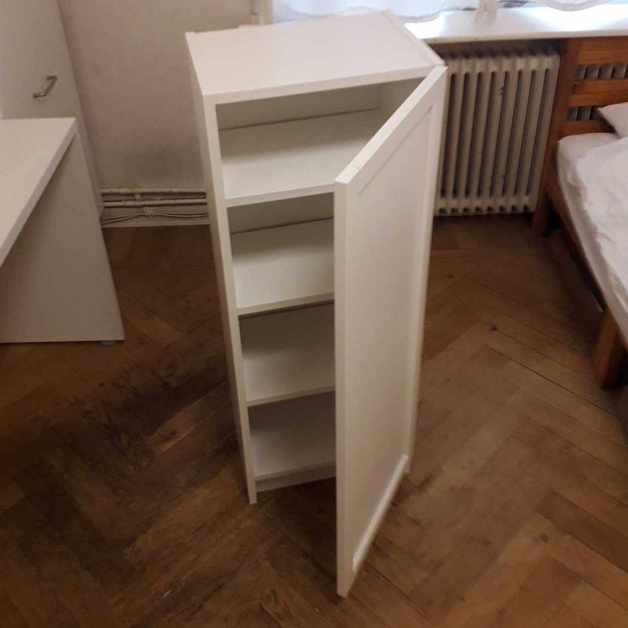 image of IKEA Billy skåp - Stockholm