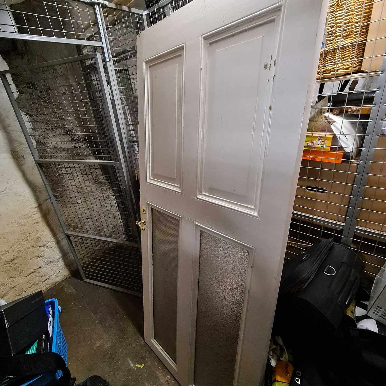 image of Gratis dörrar + skräp - Stockholm