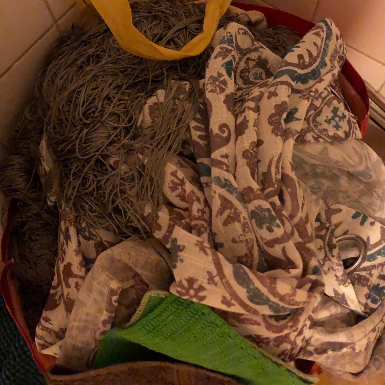 image of Gardiner och handdukar - Tumba