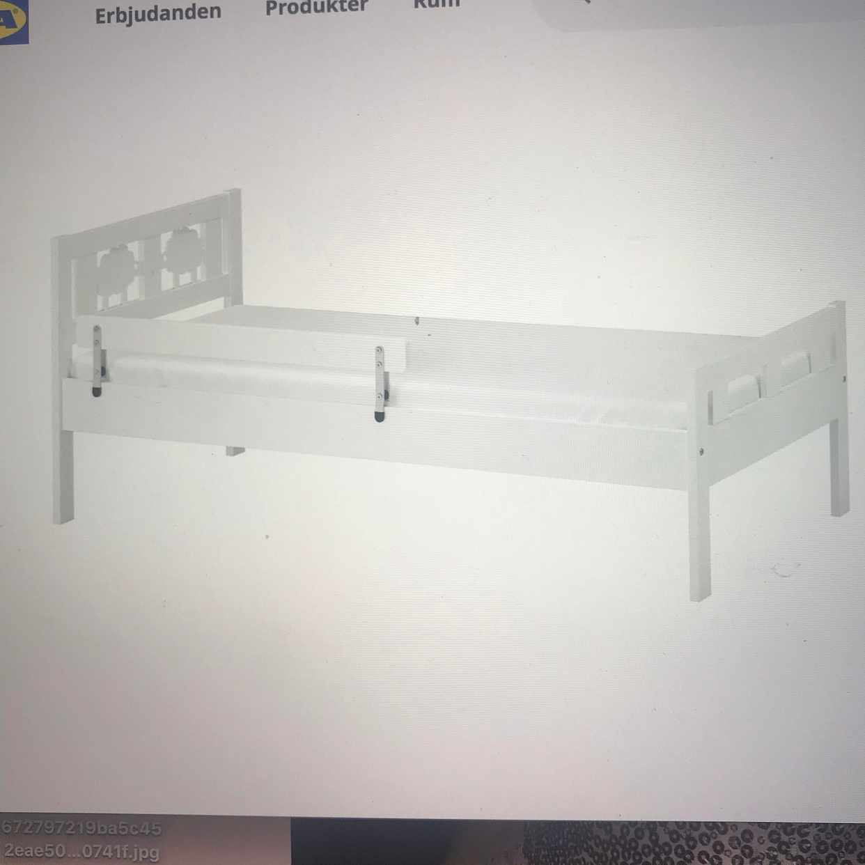 image of Carry a children's bed -