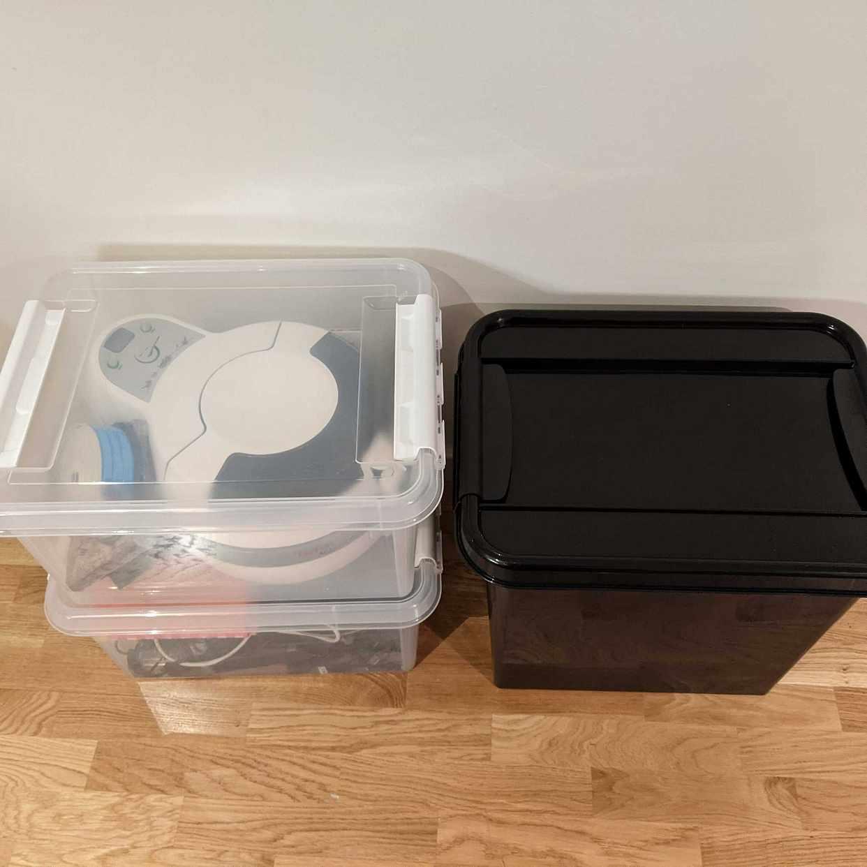 image of 3 lådor blandade saker - Hässelby