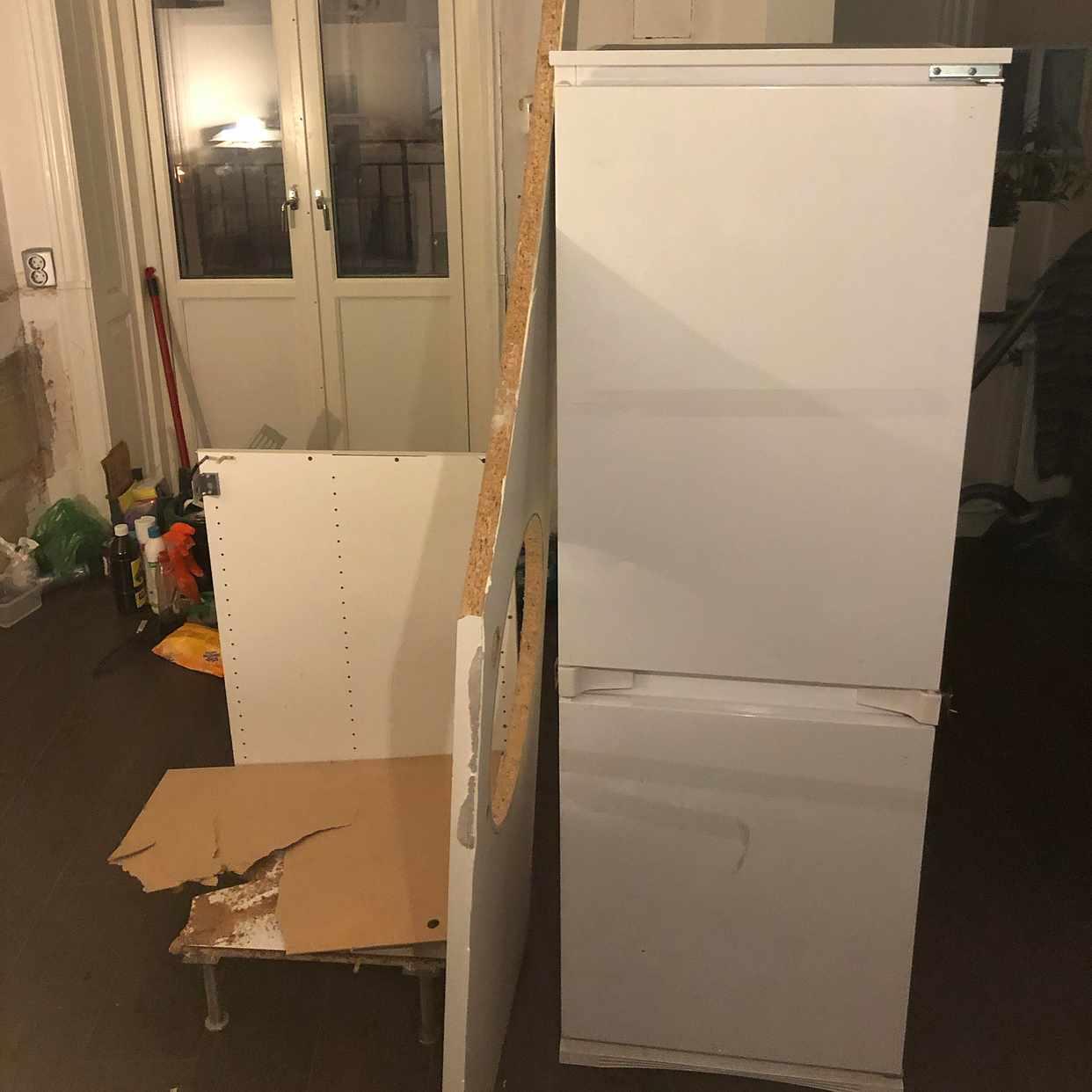 image of Remove trash and fridge - Stockholm