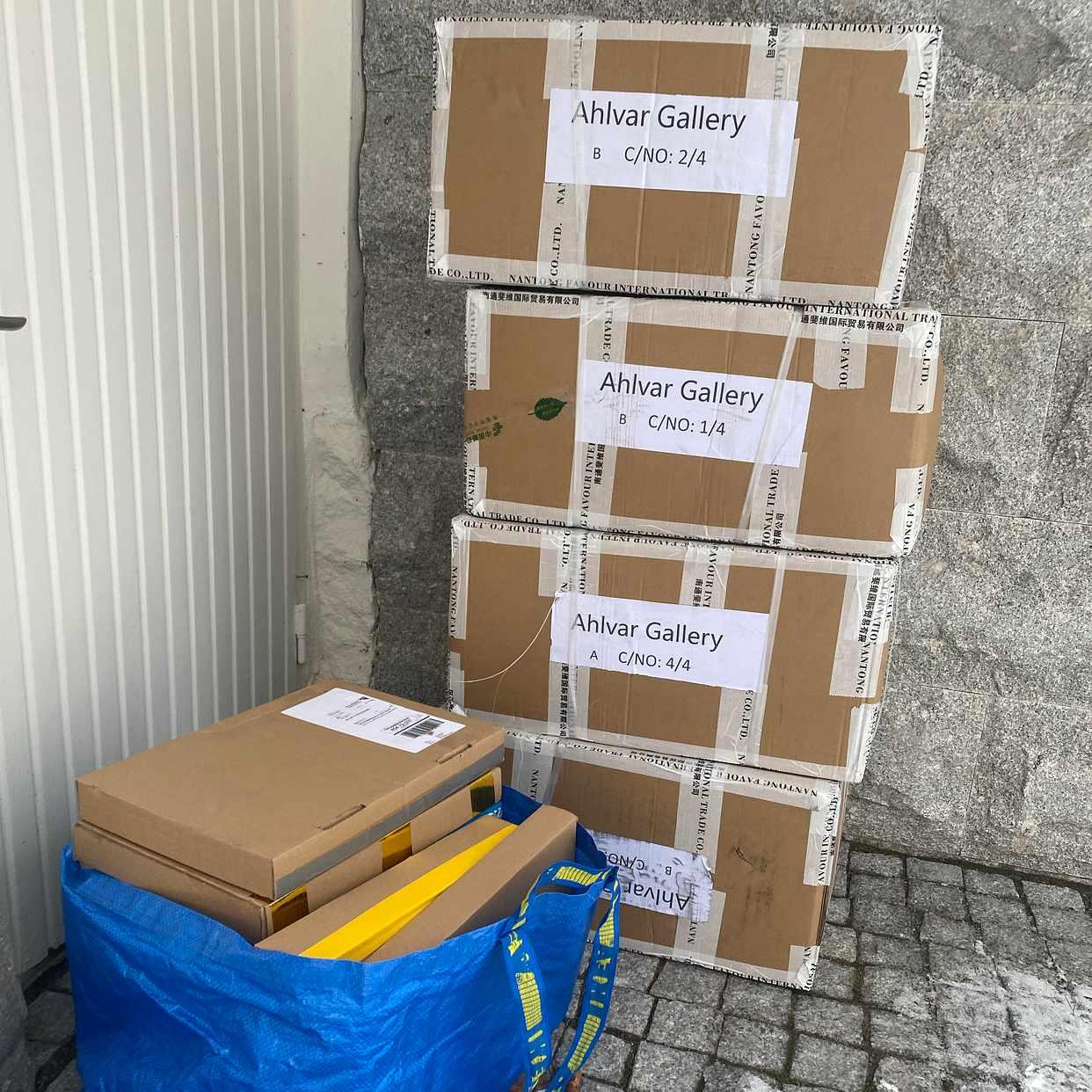 image of Flytta kartonger/säckar -