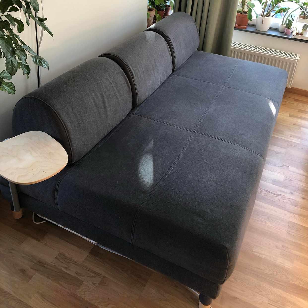 """image of Bäddsoffa, 40""""-tv, skåp - Lidingö"""