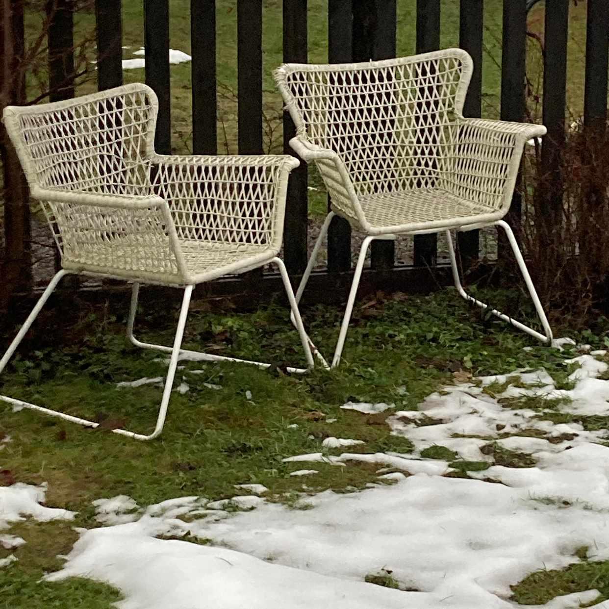 image of Ikea utemöbler skänkes - Lidingö