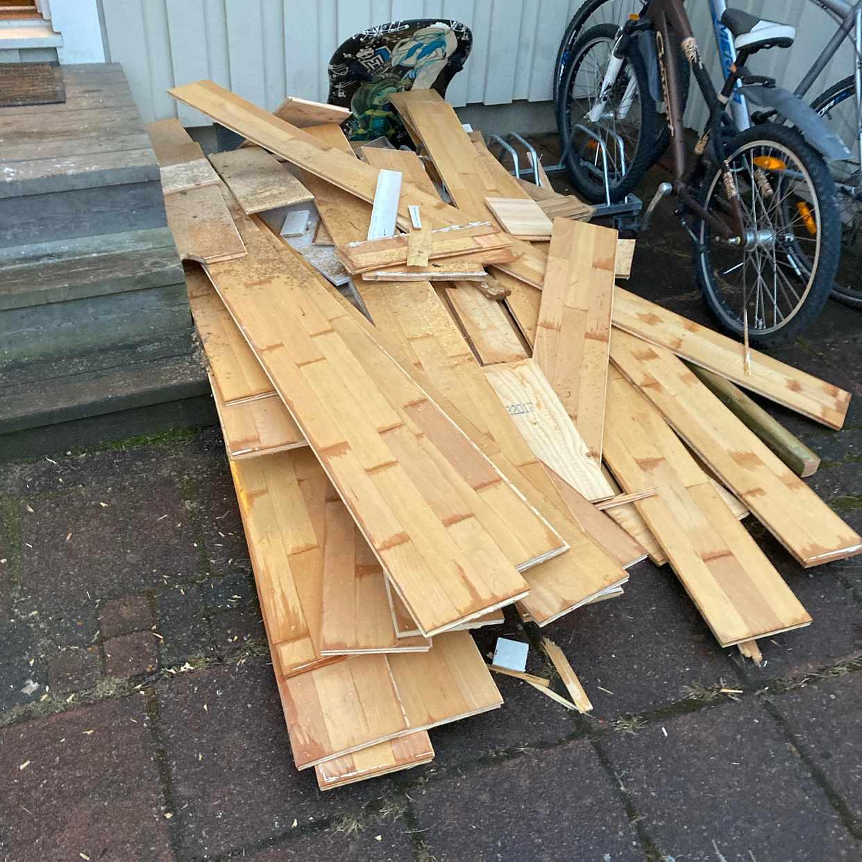 image of Köra i väg träåtervinning - Spånga