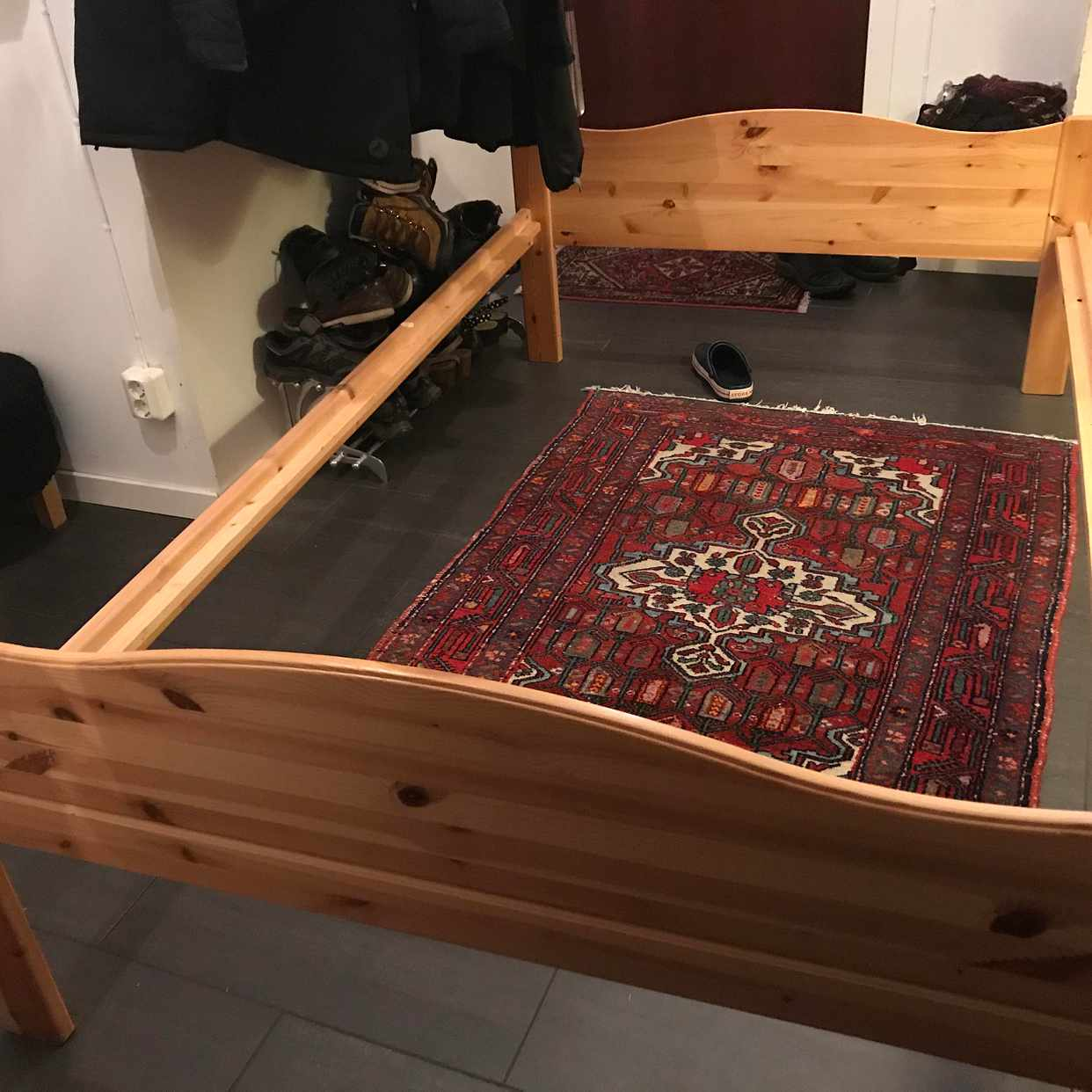 image of Gratis furusängram - Huddinge