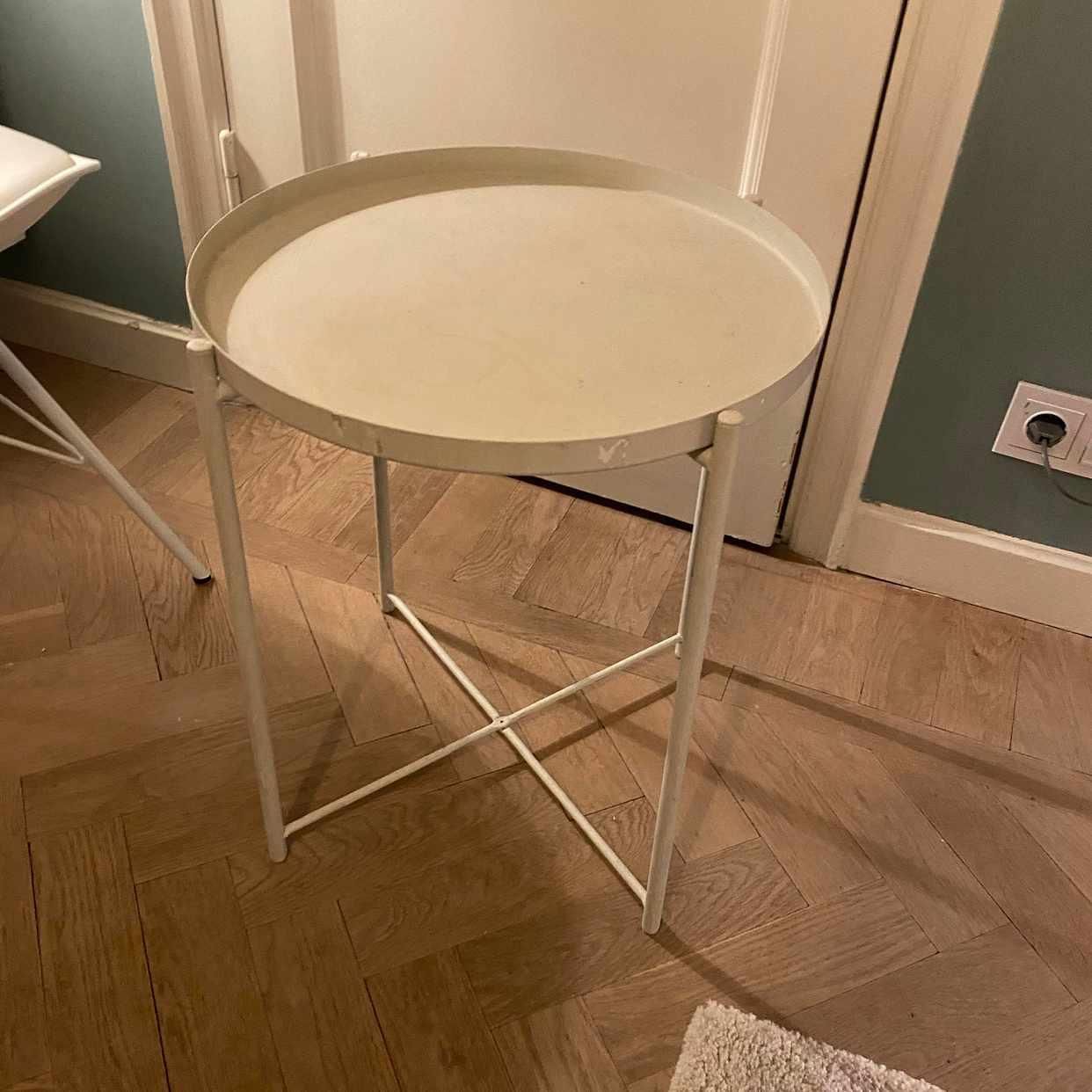 image of Litet bord från Ikea - Stockholm