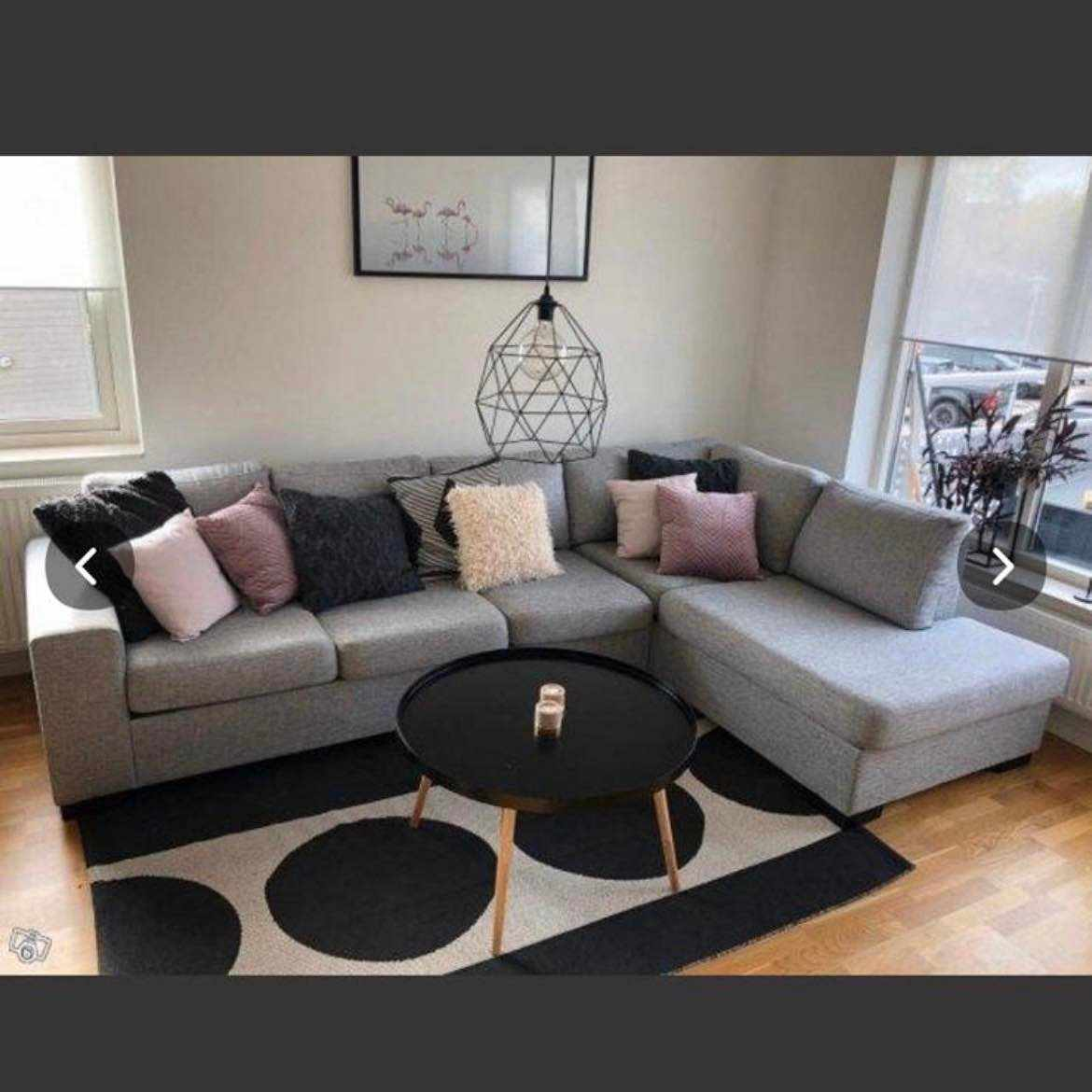 image of Sofa and small table -