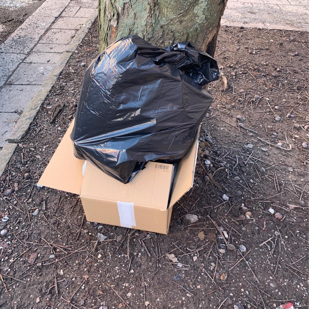 image of tomglas kartong - Stockholm