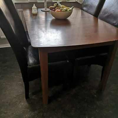 image of Bord och 4 stolar -