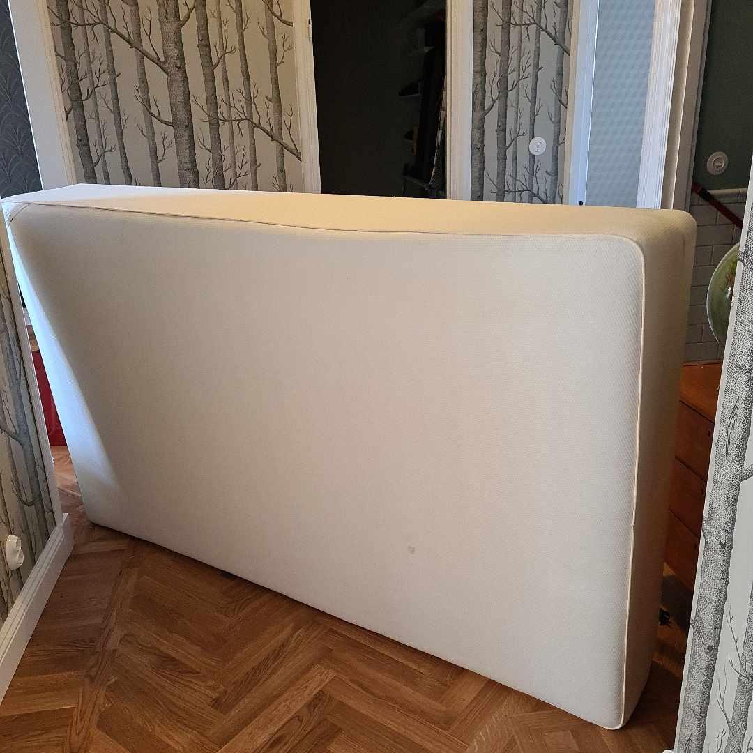 image of Ikea-säng 120 - Enskede