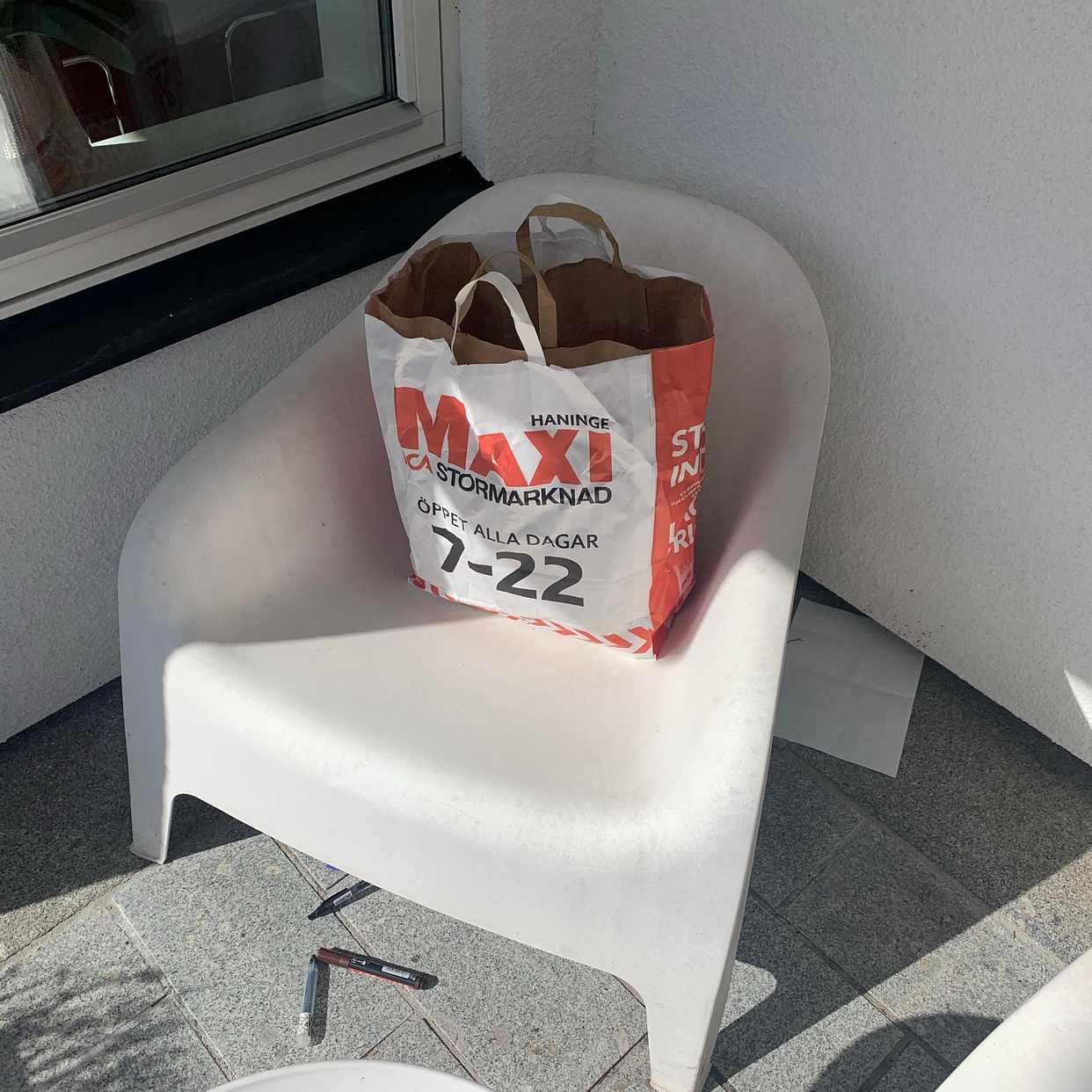 image of Lev kasse med papper -