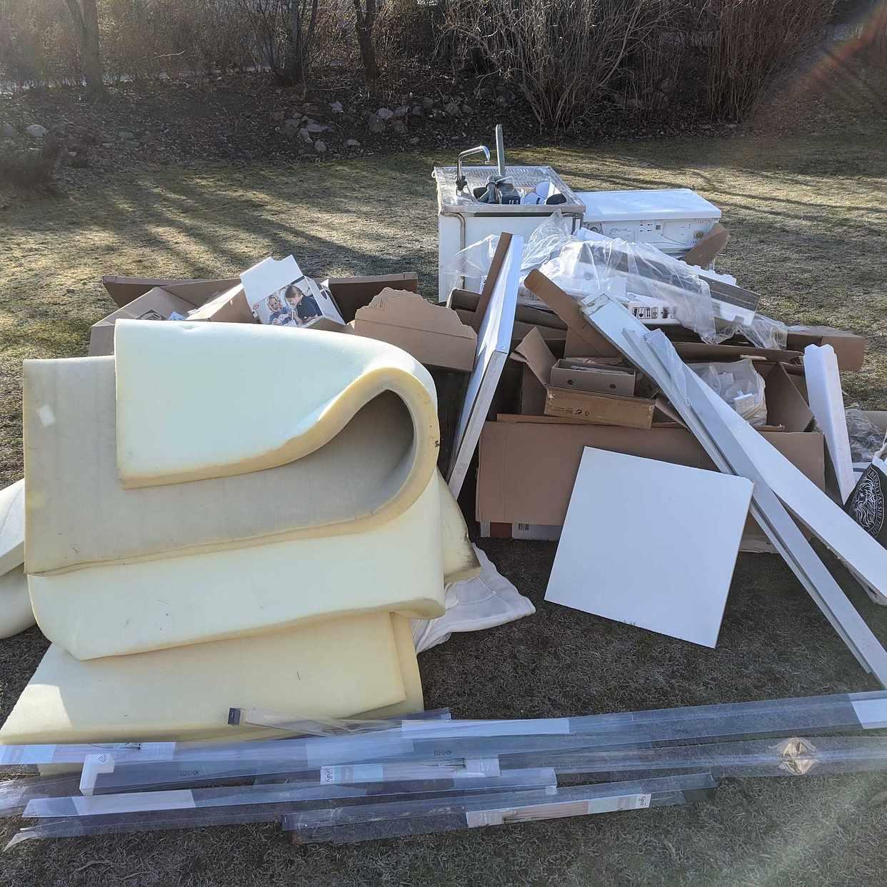 image of Tvättmaskin, bänk, etc - Täby
