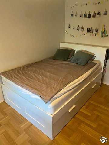 image of 140 Ikea säng -