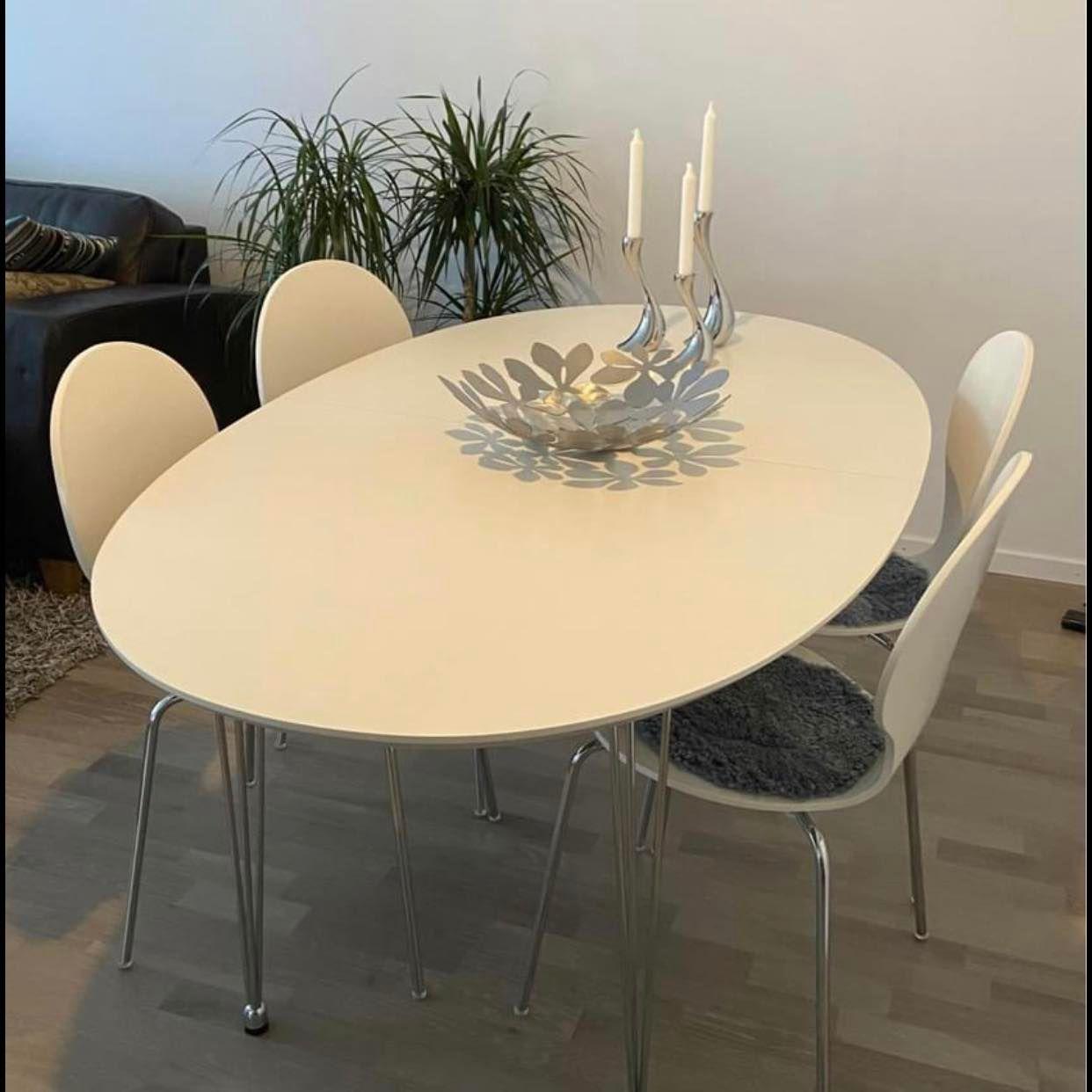 image of Leverera ett bord+6 stola -
