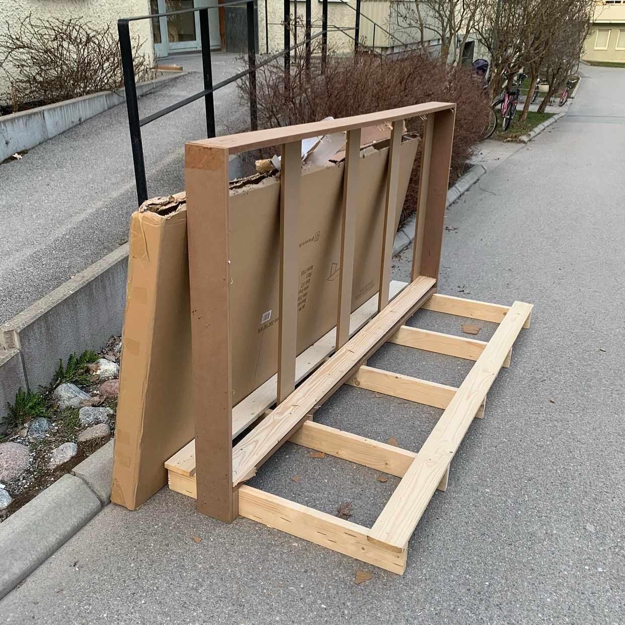 image of Träplankor kartonger - Åkersberga
