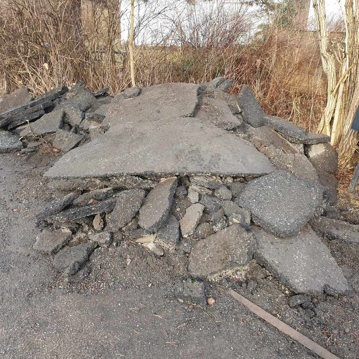 image of Bortforsling jord asfalt - Åkersberga