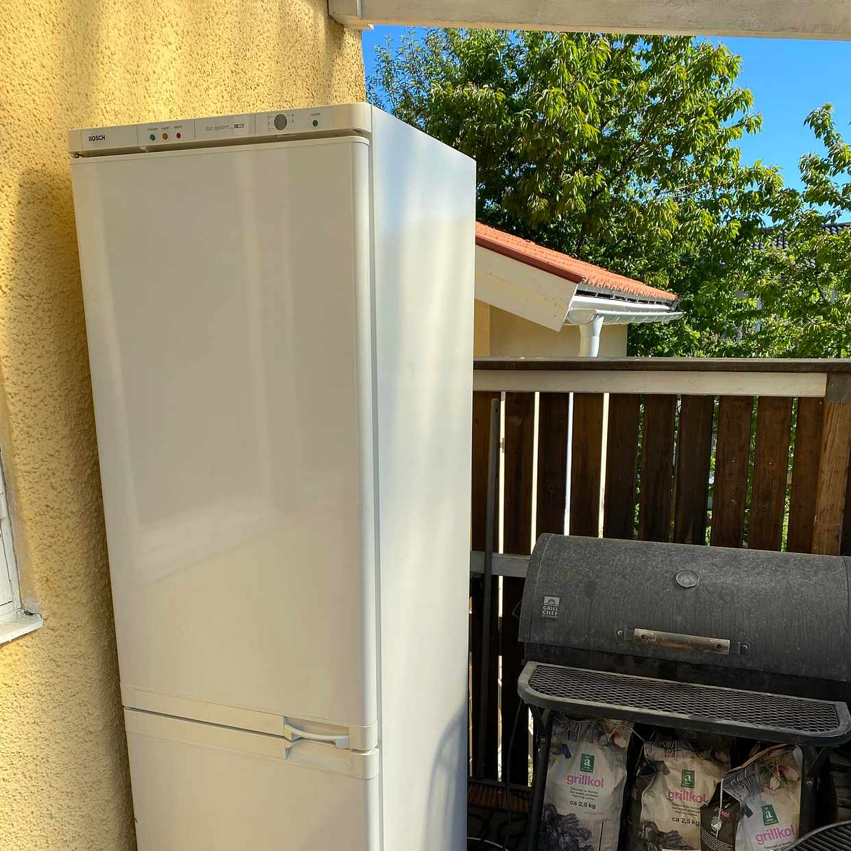 image of Kombi kylskåp med frys - Spånga