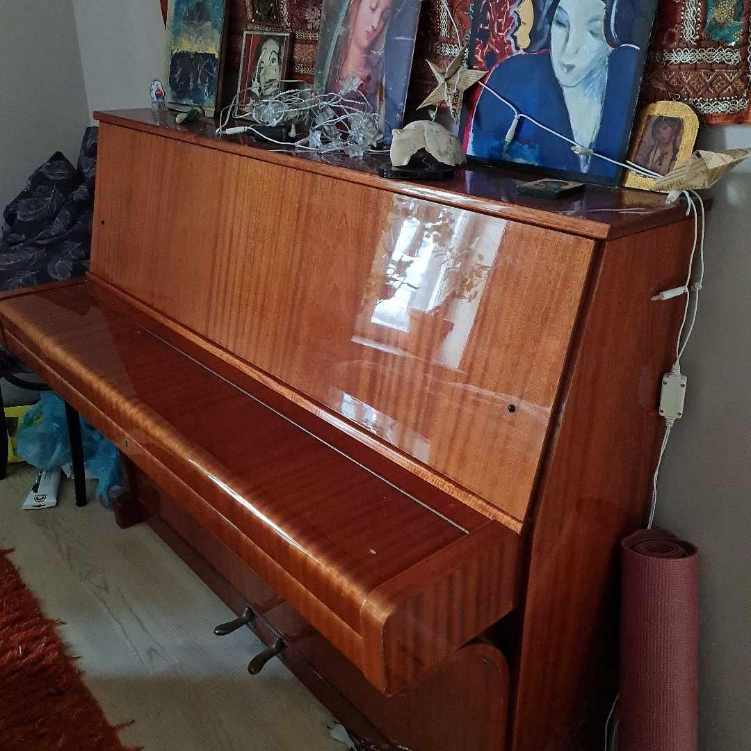 image of Piano hämtas till tippen - Göteborg