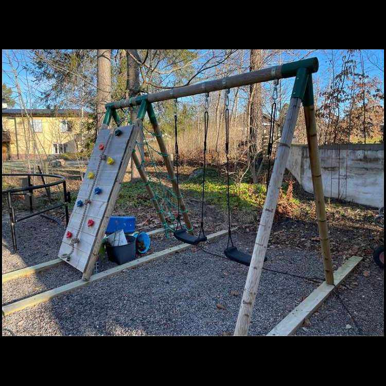 image of Swing set -