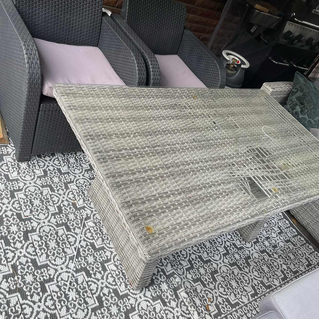 image of Skänkes använda möbler - Sigtuna