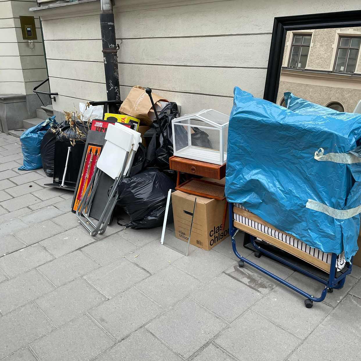 image of Möbler, kläder, bränn - Stockholm