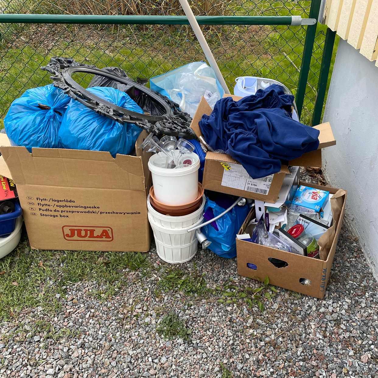 image of Kasta flytt sopor - Upplands Väsby