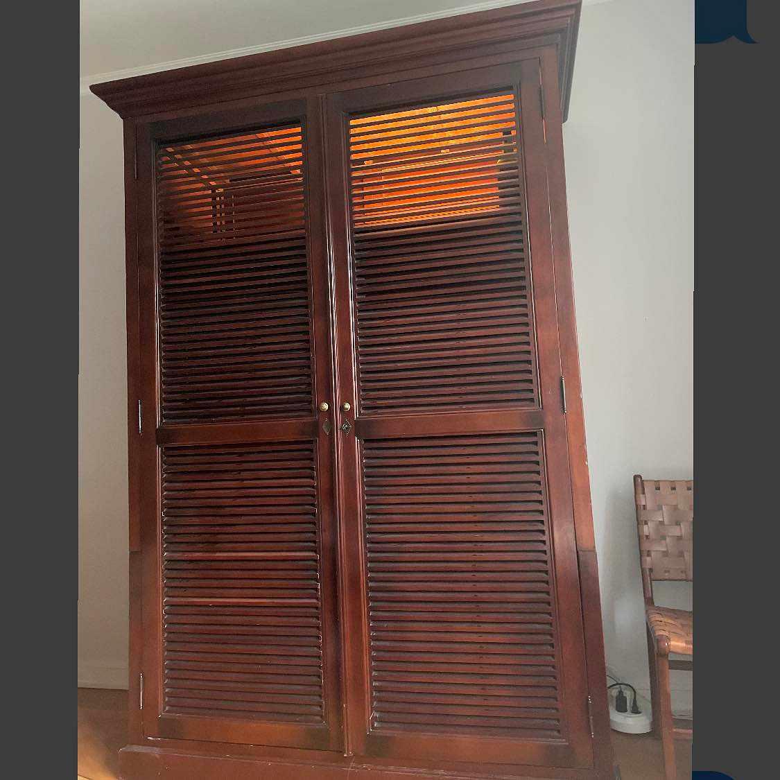 image of Flytta tung garderob -