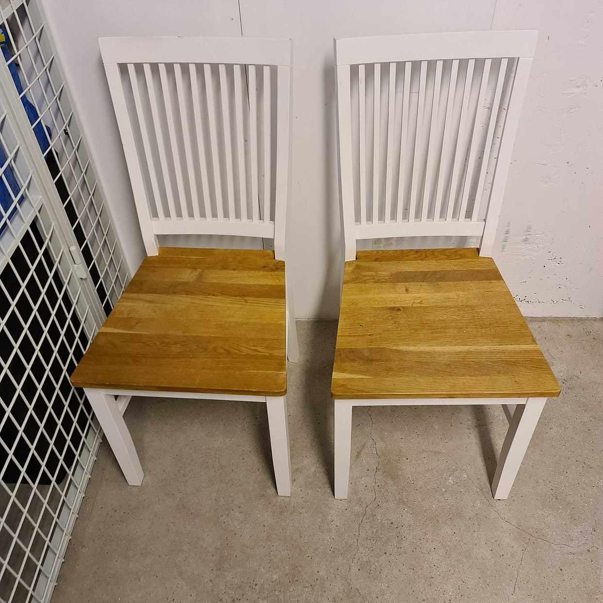 image of 2 stolar, 1 dynlåda m.m -