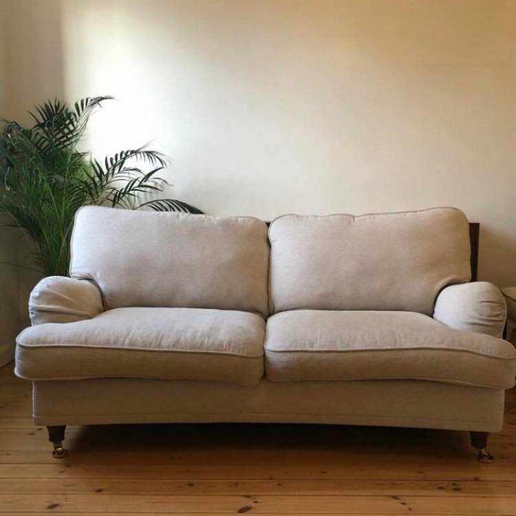 image of Leverans av soffa -