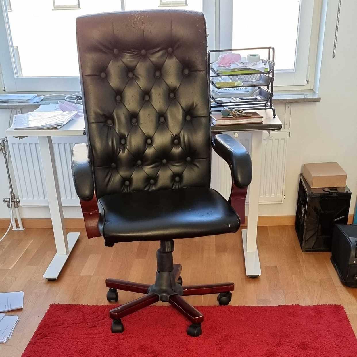 image of Chair + rug - Malmö
