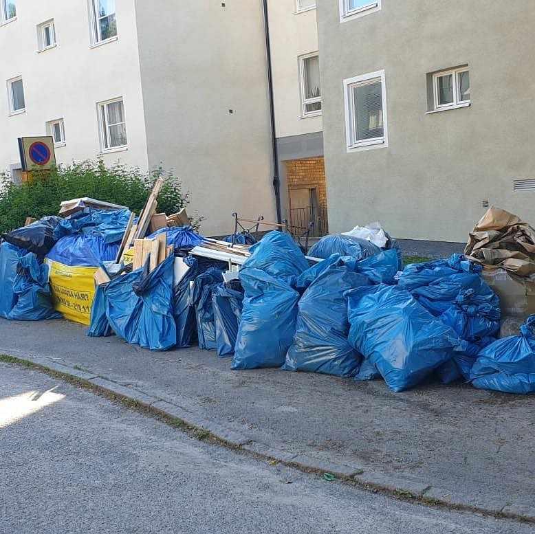 image of Byggavfall efter rivning - Vällingby