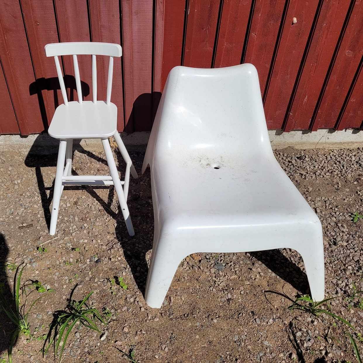 image of Barnstol och plastfåtölj - Björklinge