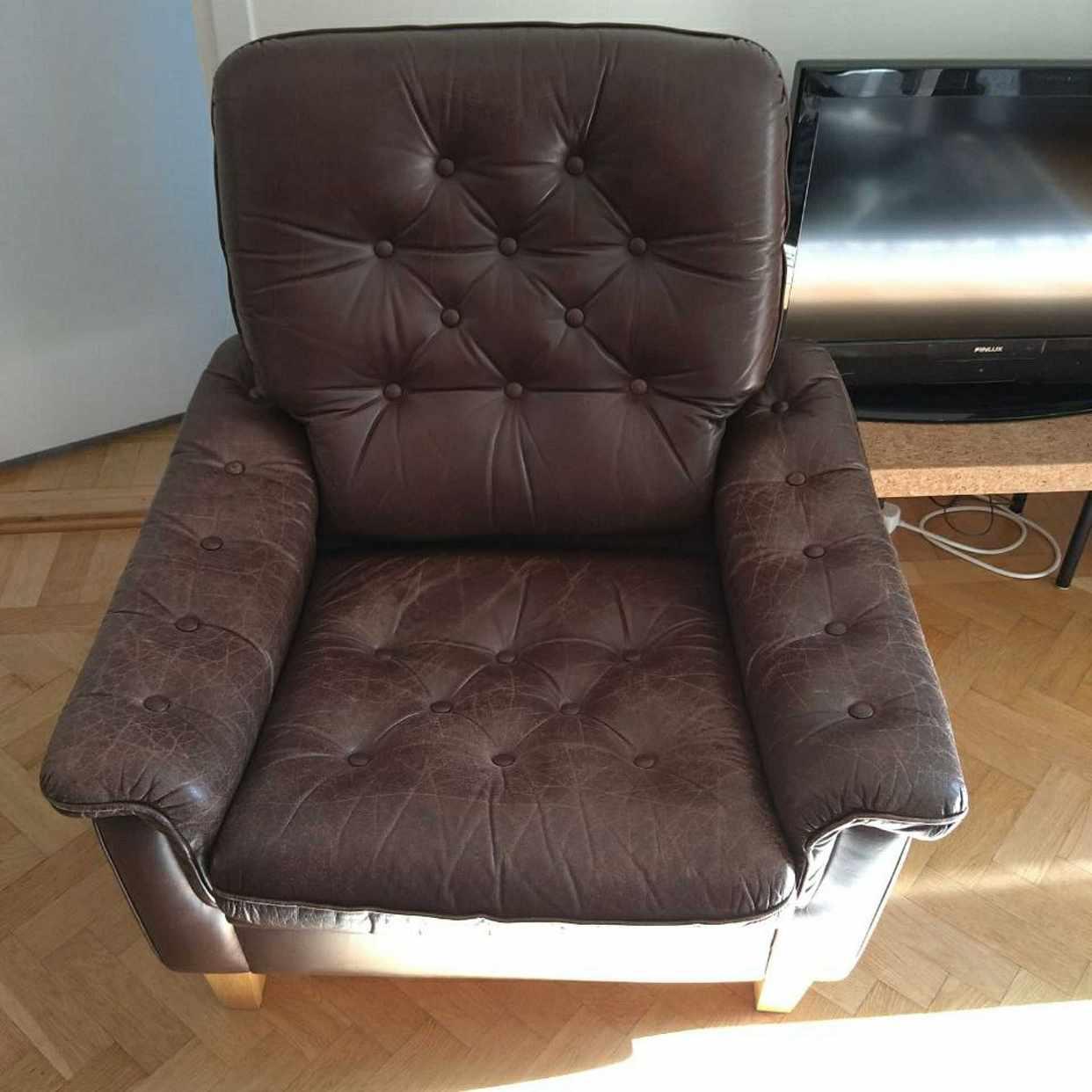 image of Two comfortable armchairs - Johanneshov