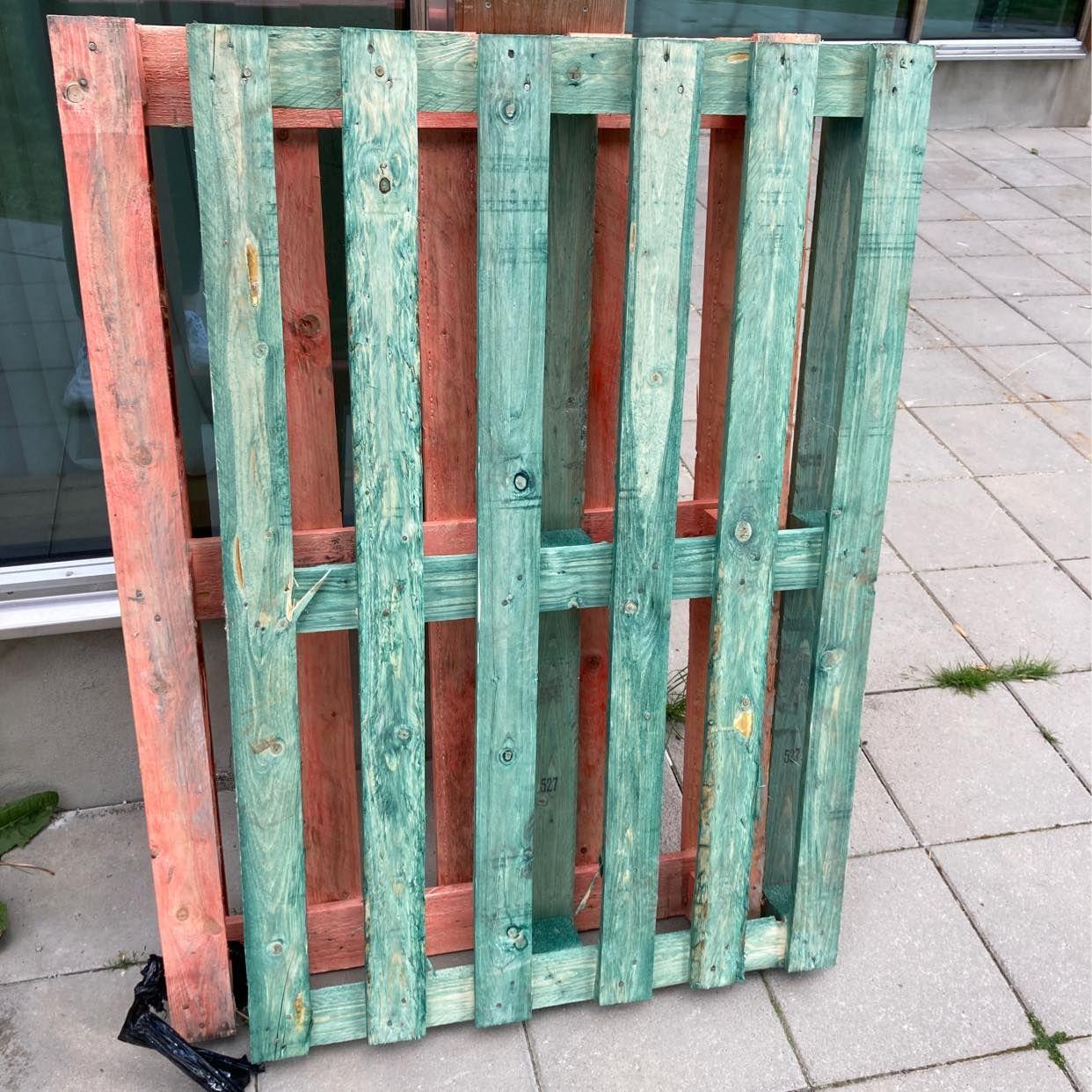 image of Lastpall och kartonger - Stockholm