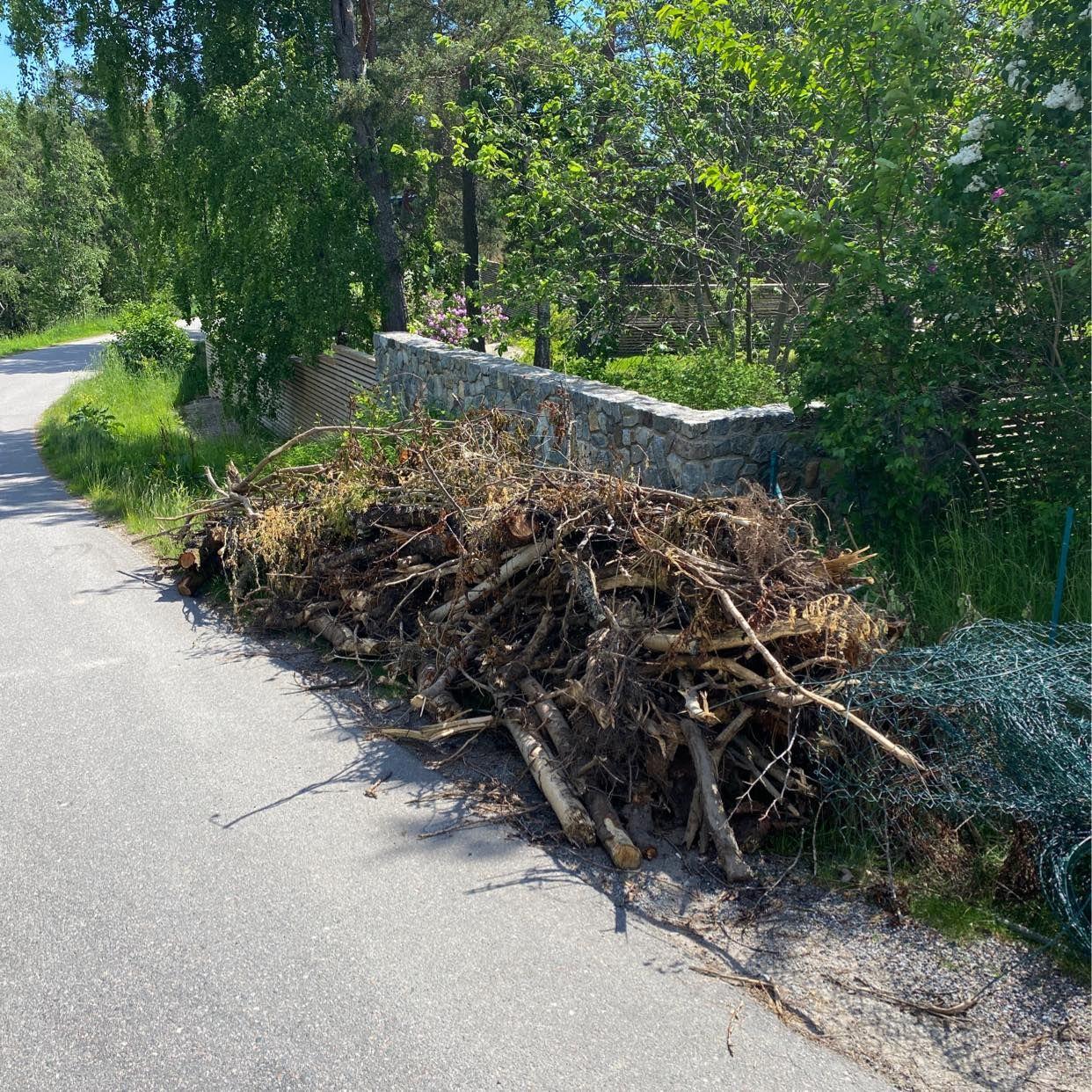 image of Bygg och trädgårdsavfall - Saltsjö-Boo