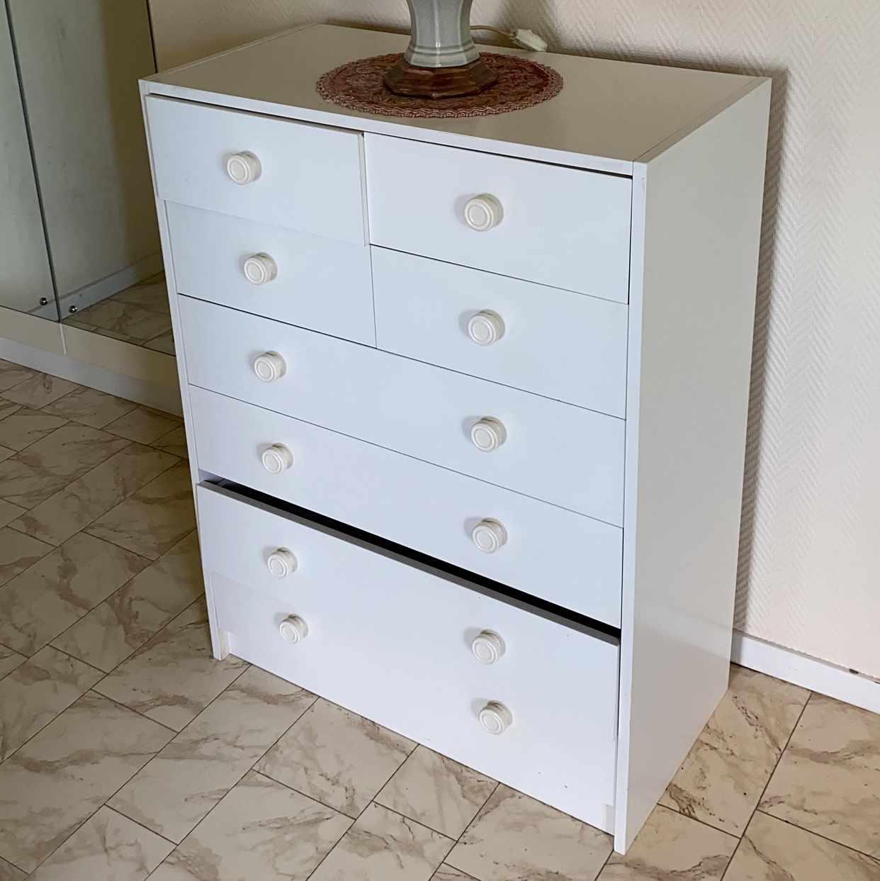 image of hyllor garderober byrå - Hägersten