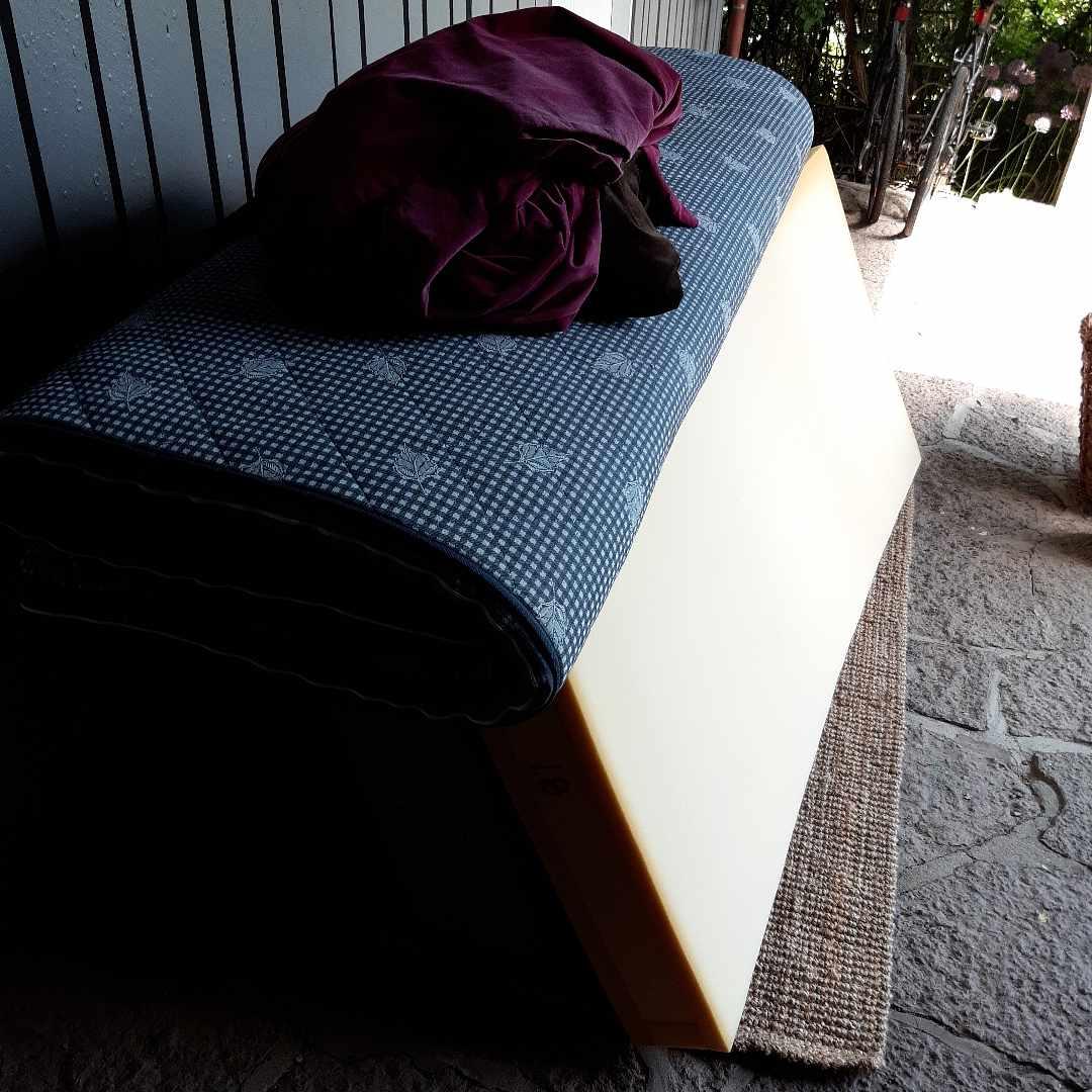 image of Säng, stol, sänggavel - Vallentuna