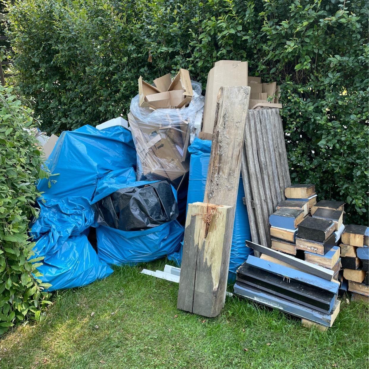 image of Kartong, plast, trä mm - Södertälje