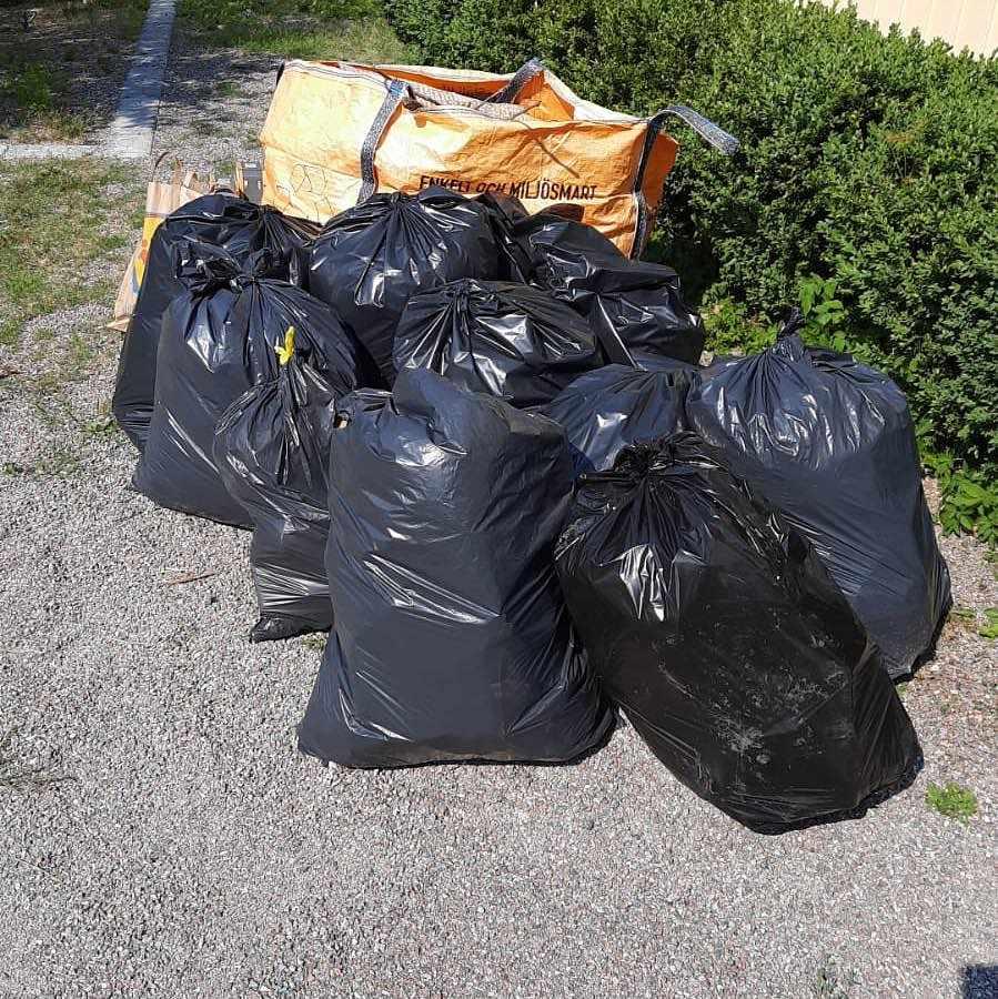 image of Bortforsling av gräs vara - Spånga