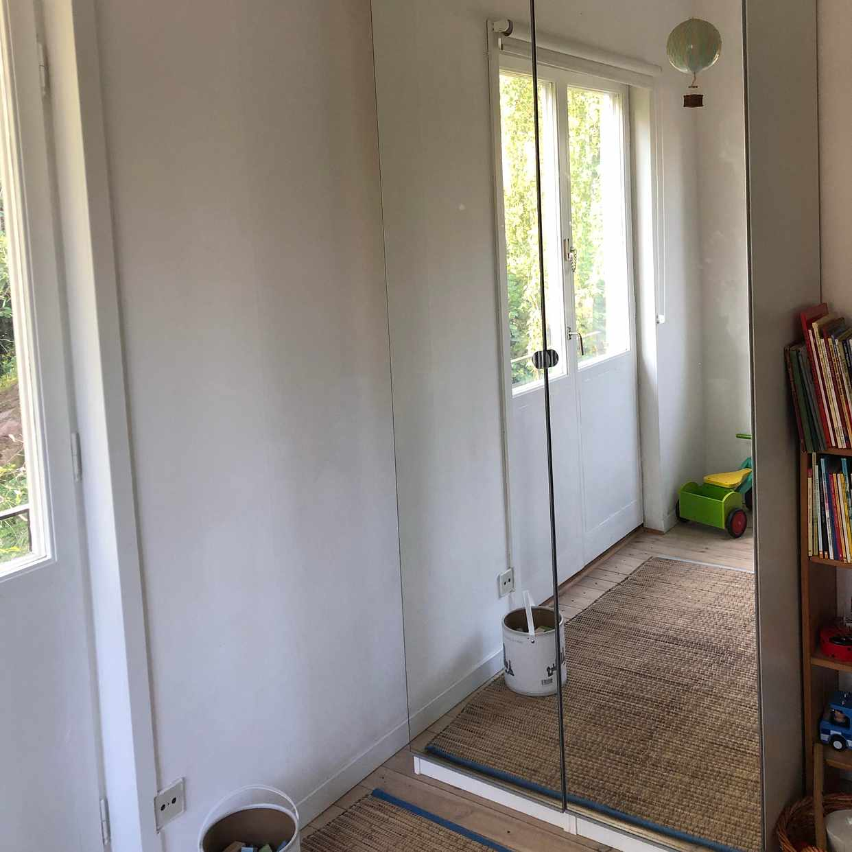 image of 2 garderober bortskänkes - Huddinge