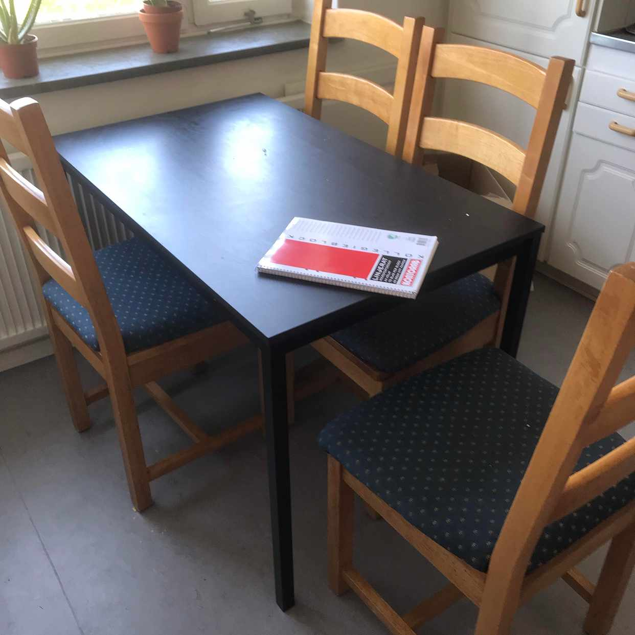 image of Matbord stolar byrå - Hässelby