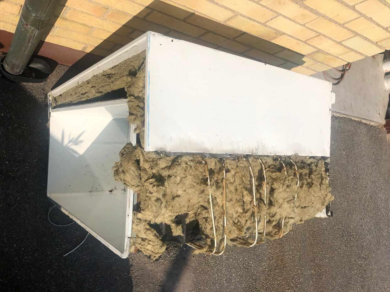 image of Äldre demonterad frysbox - Spånga